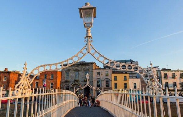 דבלין : מדריך למטיילים בעיר דבלין אטרקציות, אתרים לביקור, אוכל ועוד