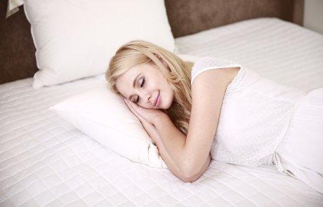 לא מצליחים להירדם? 12 הטיפים האלו יבטיחו לכם שינה איכותית בלי נדודי שינה